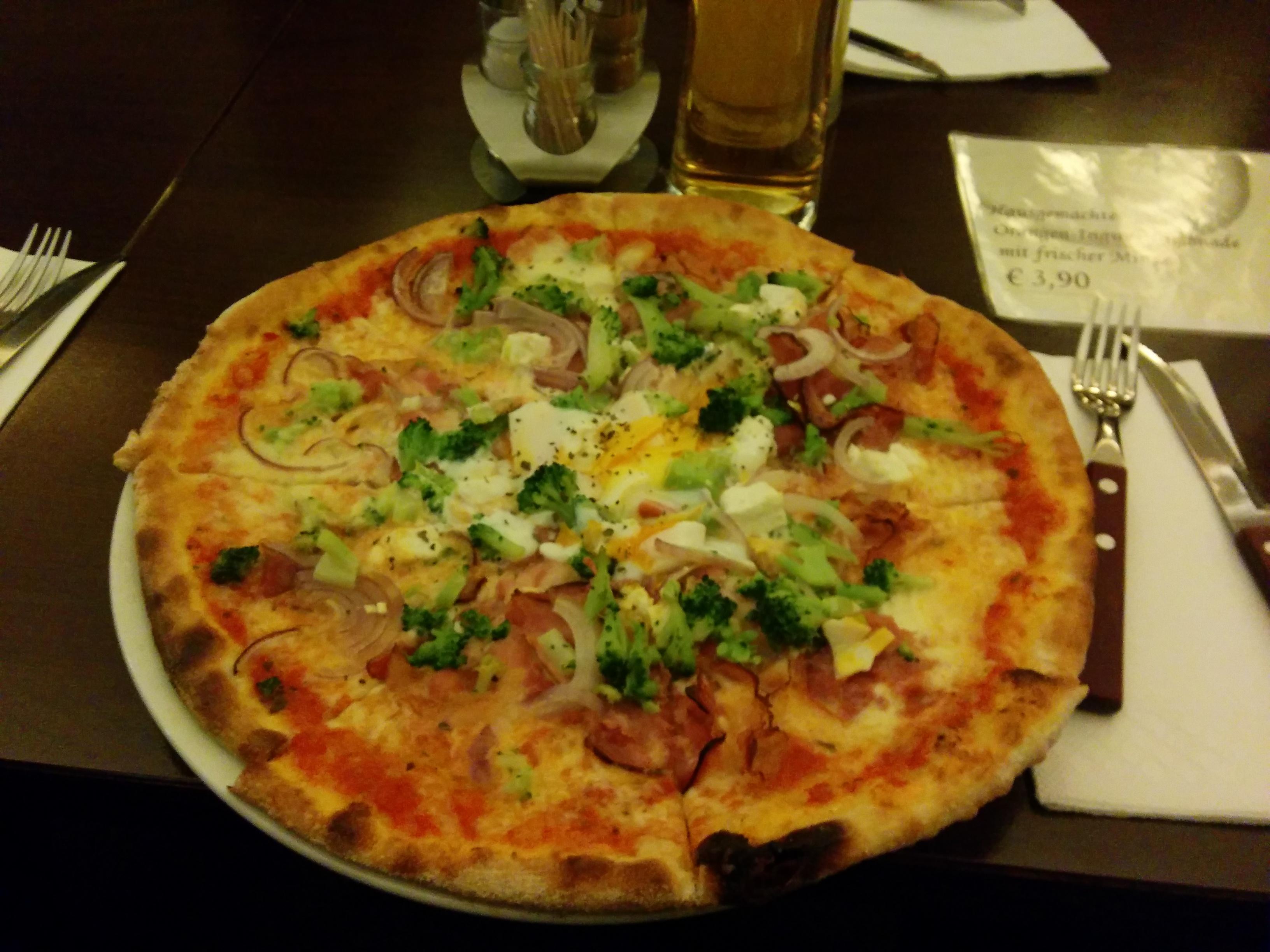 Pizzeria casa piccola seems incredible for Casa piccola